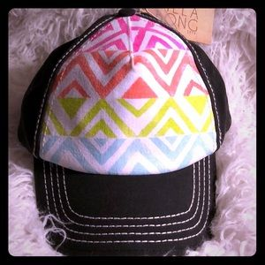 NWT Billabong Geometric Design Hat